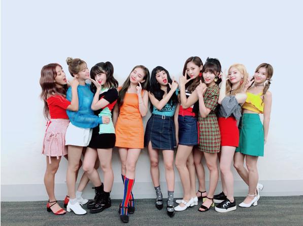 TWICE 2015年にデビューして現在は世界中で愛されている9人組のグループ。